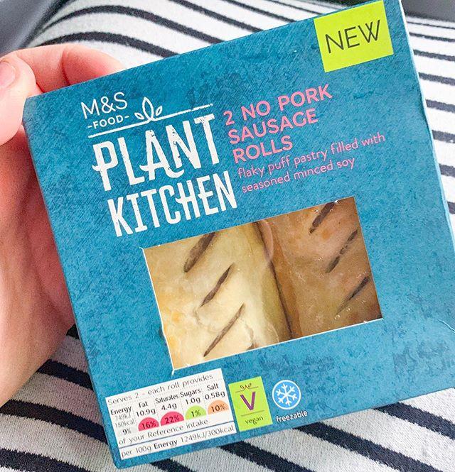 The BEST snack to find at a service station on the way to the airport ✈️ @marksandspencerfoodpr you are literally my fave 💛  #vegan #veganism #veganuk #veganjunkfood #veganuary #vegantreats #veganblogger #veganrecipe #letscookvegan #veganisthenewblack #anythingyoucaneaticaneatvegan #plantbasedlifestyle #crueltyfree #veganliving #whatfatveganseat  #plantbased #plantpower #plantstrong #whatveganseat  #veganfoodblogger #veganinfluencer #ukvegan #veganfoodie #vegansausage #vegansausageroll