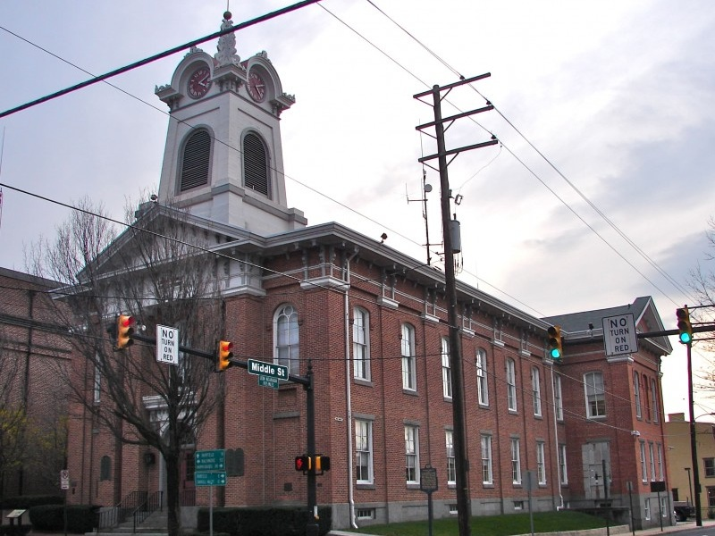 Adams County Courthouse - Photo Credit: By Smallbones - Own work, Public Domain, https://commons.wikimedia.org/w/index.php?curid=12096840