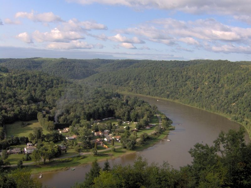 Allegheny River - Photo Credit: Margaret Luzier, U.S. Army Corps of Engineers [Public domain], via Wikimedia Commons