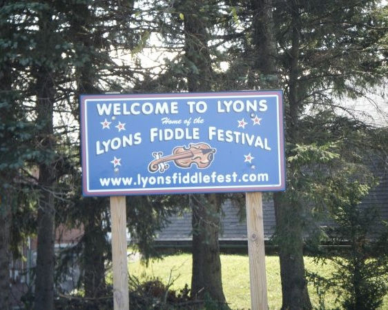 Lyons, PA - Photo Credit: Dough4872 [Public domain], from Wikimedia Commons