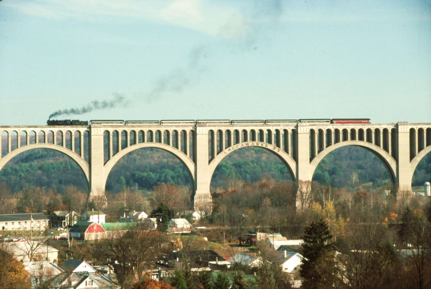 The Tunkhannock Viaduct (also known as the Nicholson Bridge) - Photo Credit: WallyFromColumbia at English Wikipedia [Public domain], via Wikimedia Commons