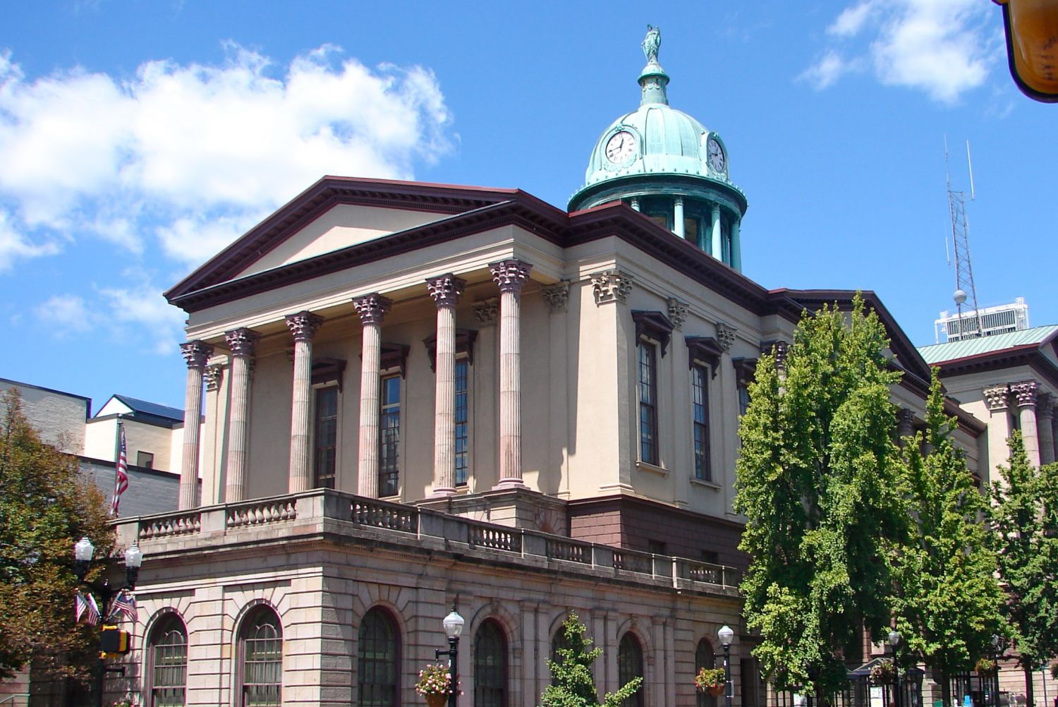 Lancaster County Courthouse - Photo Credit: Smallbones [CC0], from Wikimedia Commons