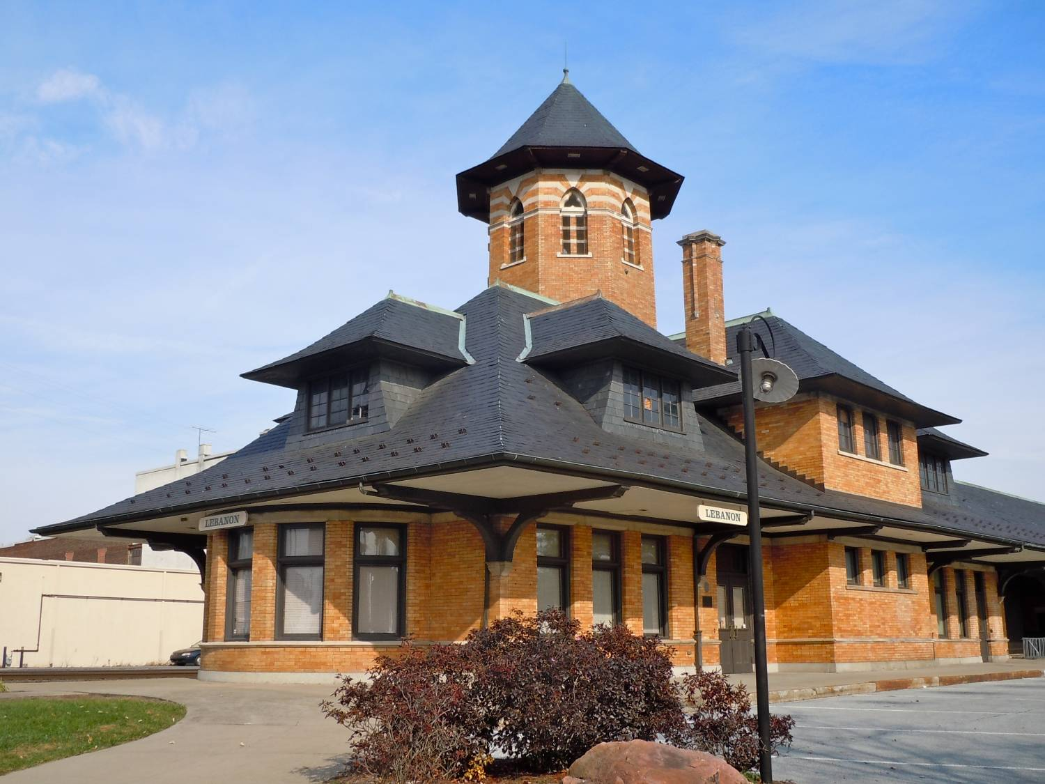 Lebanon - Reading Railroad station on Eighth Street - Photo Credit: By Smallbones - Own work, CC0, https://commons.wikimedia.org/w/index.php?curid=17360951