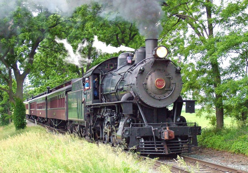 Strasburg Railroad - Photo Credit:  Simesa at English Wikipedia. [Public domain], via Wikimedia Commons