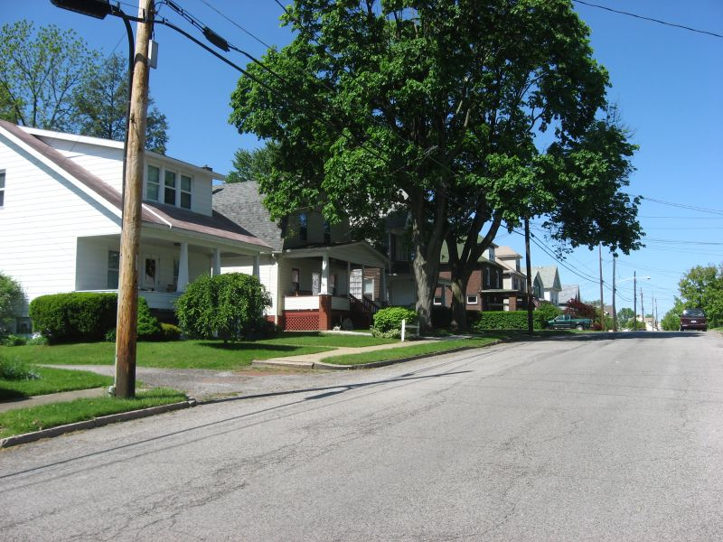North Hill Historic District - Photo Credit: User:Nyttend [Public domain], from Wikimedia Commons