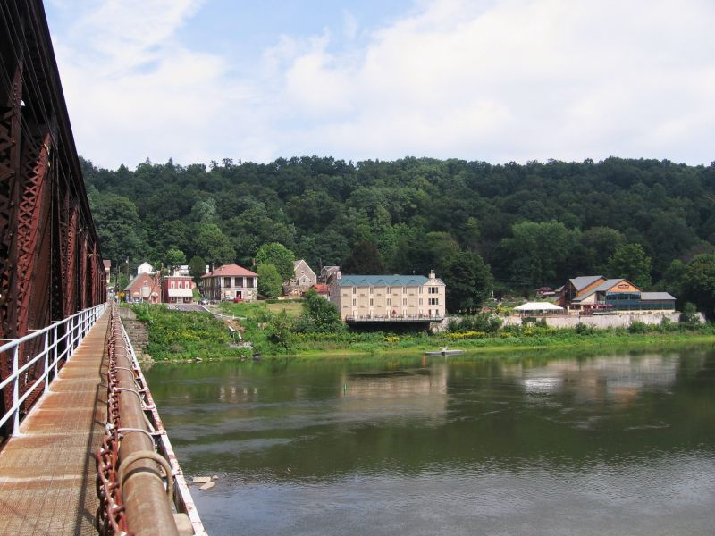 The Allegheny River at Foxburg, Pennsylvania - Photo Credit: Mvincec [Public domain], from Wikimedia Commons