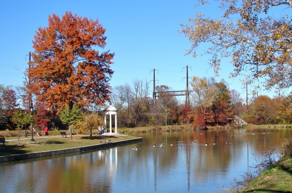 Delaware Canal - Photo Credit: Smallbones [Public domain], from Wikimedia Commons