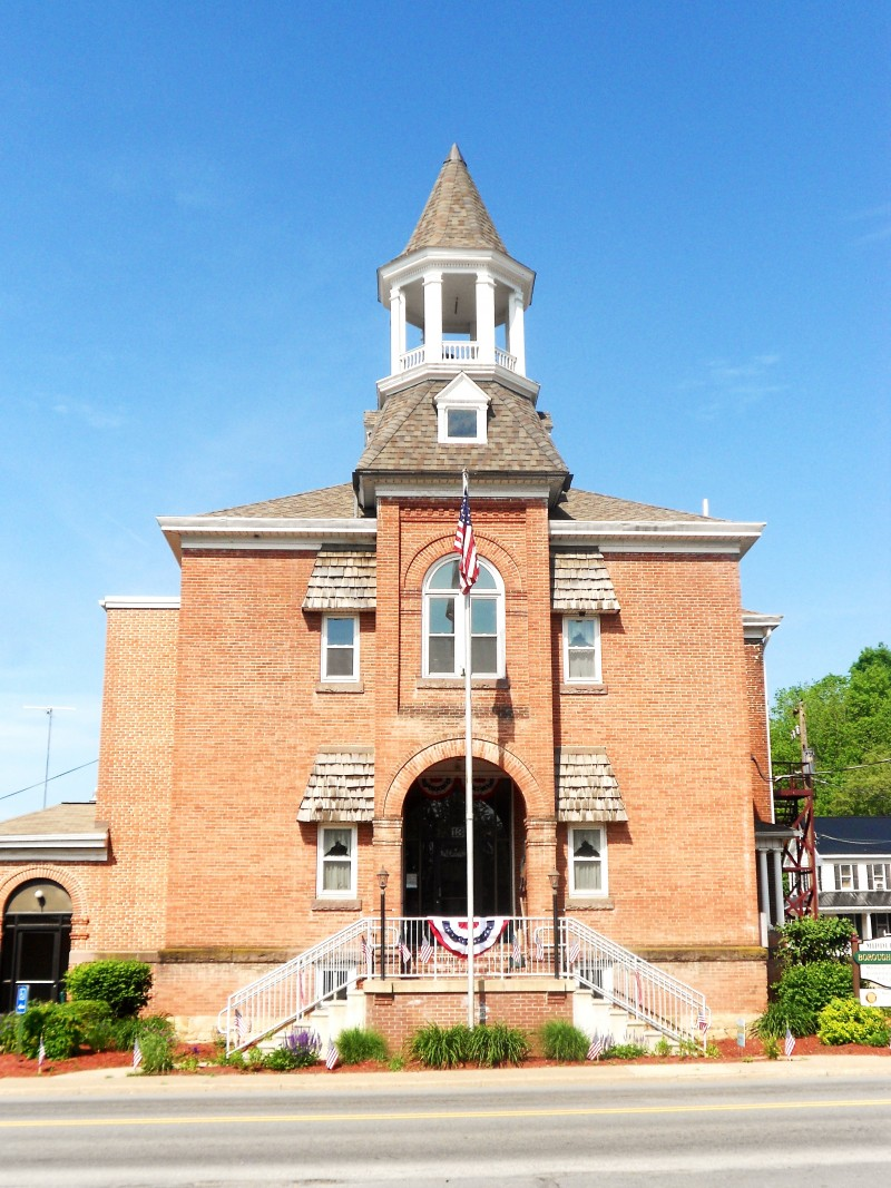 Middleburg Borough Hall - Photo Credit: By Smallbones - Own work, CC0, https://commons.wikimedia.org/w/index.php?curid=49288786