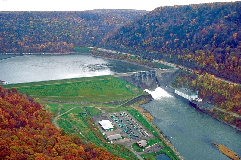 Kinzua Dam on the Allegheny River near Warren - Photo Credit: Margaret Luzier, U.S. Army Corps of Engineers [Public domain], via Wikimedia Commons