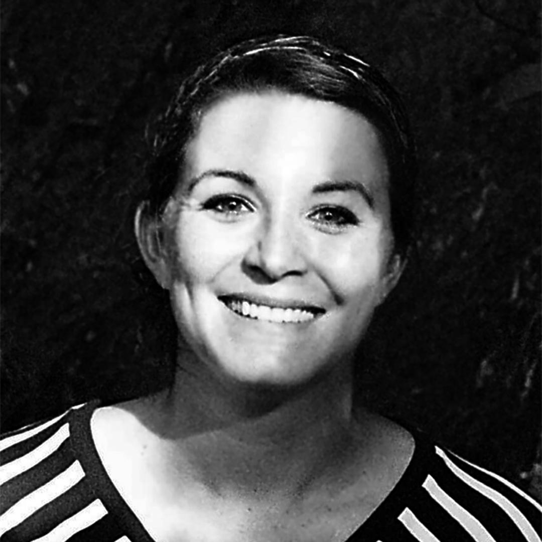Carolien Niebling  Sausage Futurologist —  Carolien Niebling  creates in her work a bridge between science and food, using design as the medium to do so.   more
