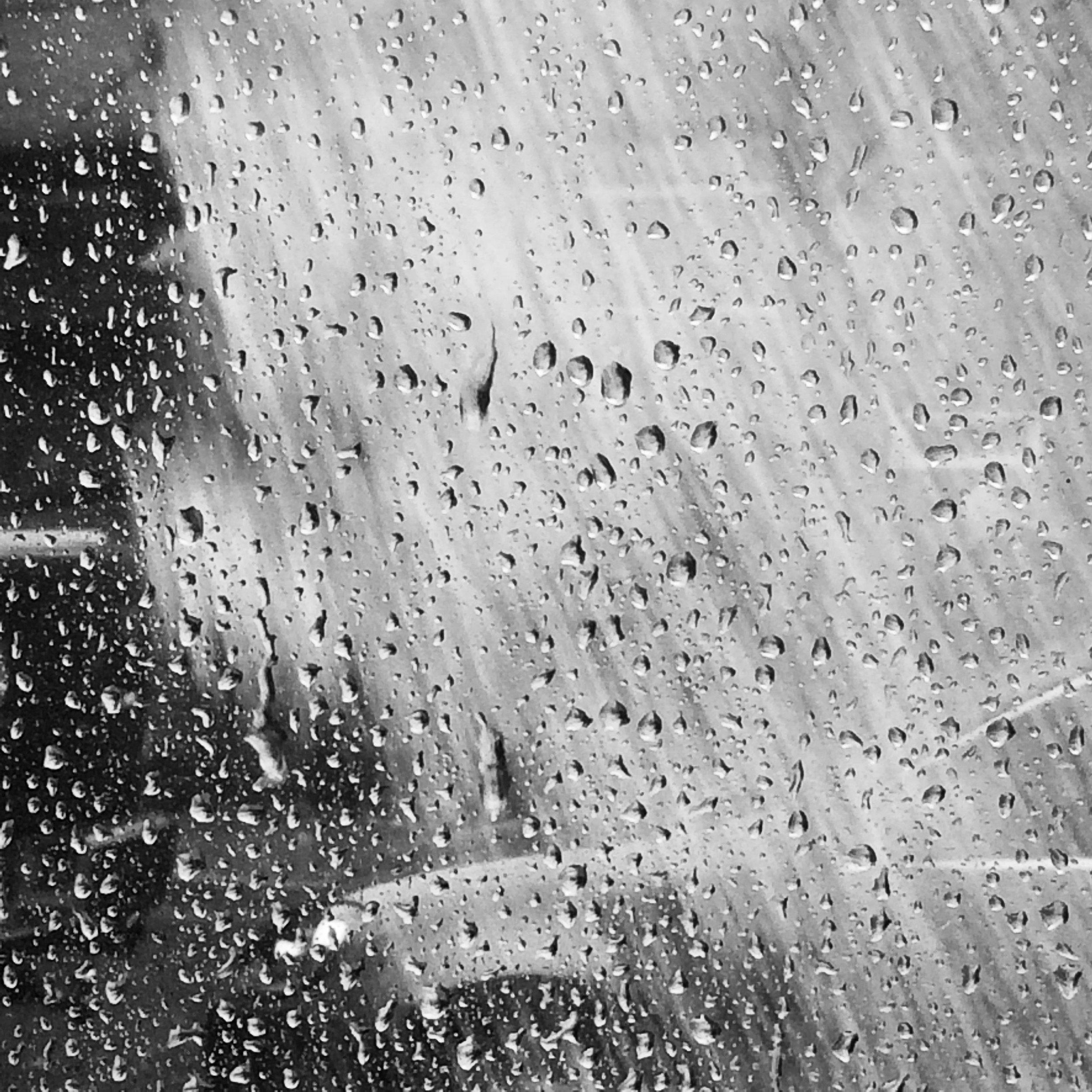 cab under the rain20*20.jpg