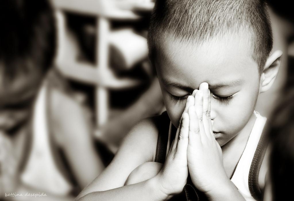 children praying.jpg