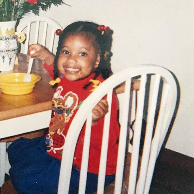 When they catch you eating all the dessert 😆 Tomorrow's my first day working in a bakery and someone's excited to be making things from scratch, so what better throwback pic to show the excitement than this!? (I know some of you might have seen this pic before but shhh) #throwbackpic #dessertaddict #nothingbutsweets #newjobalert #fatlife