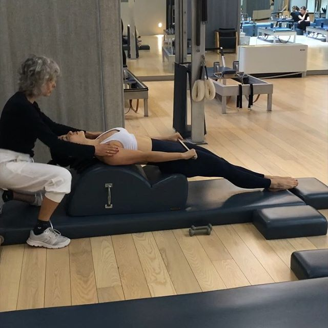 Last day in Milano!! 🇮🇹Time for Pilates! ✨⚡️🌈 Hands down my favorite travel indulgence. Classical Pilates is so universal, I know that I can get a good workout no matter where I am in the world. Thank you Maria Paola at The Art of Pilates for an amazing session! She took me through a sweat drenched Reformer session followed by the most blissful chest opening series on the Spine Corrector. Check them out you guys! They have 3 different locations. Swipe for a tour of their Via Belleza studio.