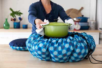 Wonderbag-and-pot_cmbwhu-e1539909113544.jpg