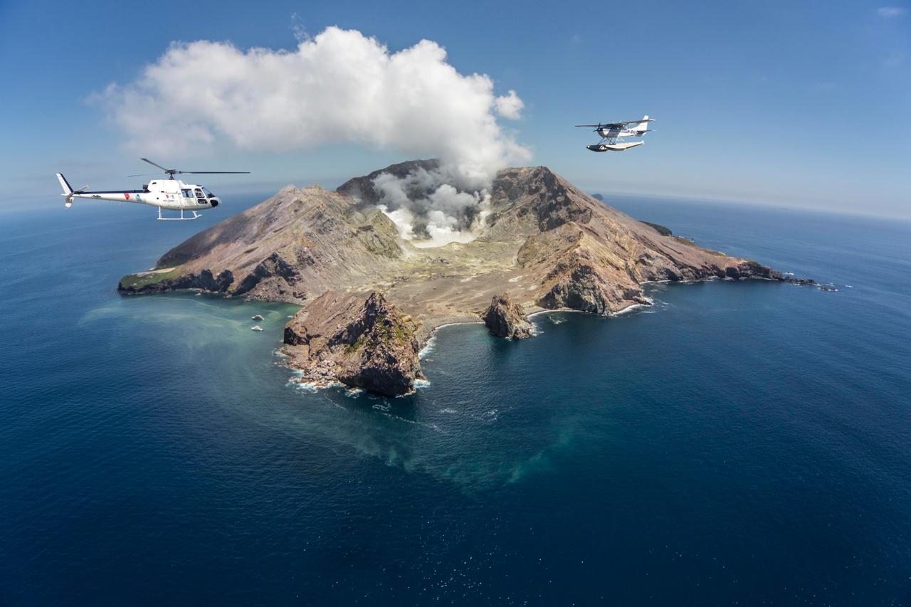 VOLCANIC AIR - WHITE ISLAND