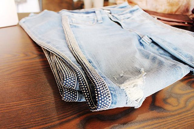 I can't get over these jeans from our #cityclubpartner @redsquarems !!! . . #jackson #jeans
