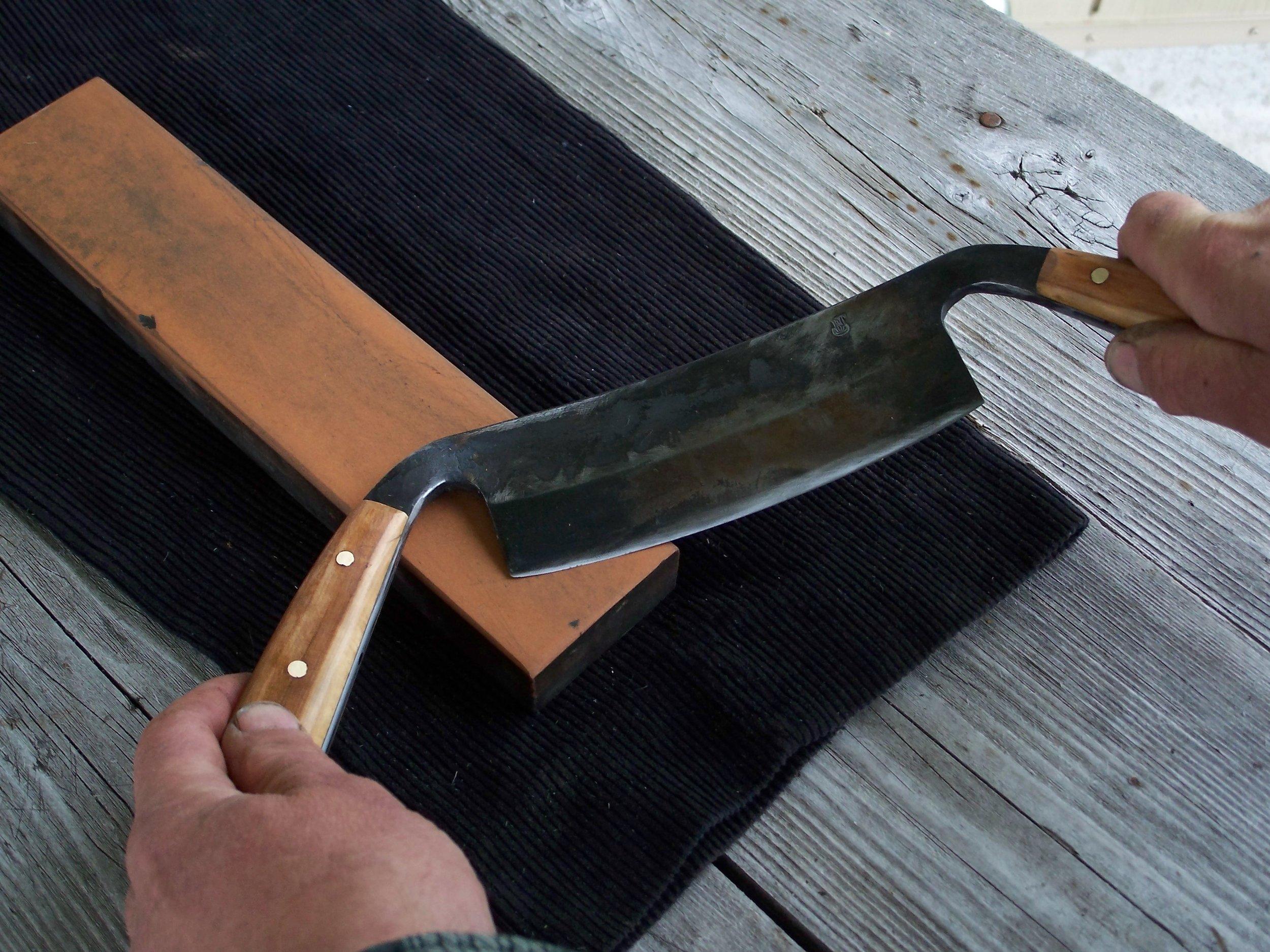 Full tang, Apple wood handles.
