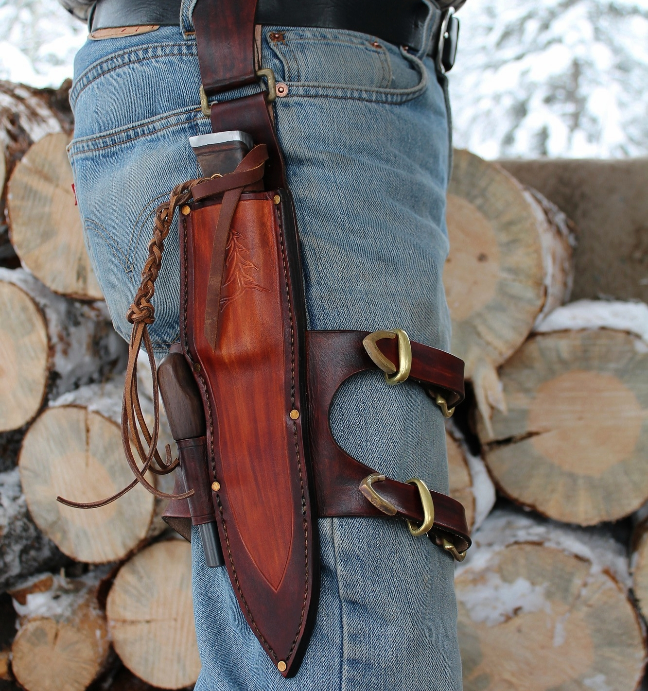 This custom made sheath set up becomes part of your body.