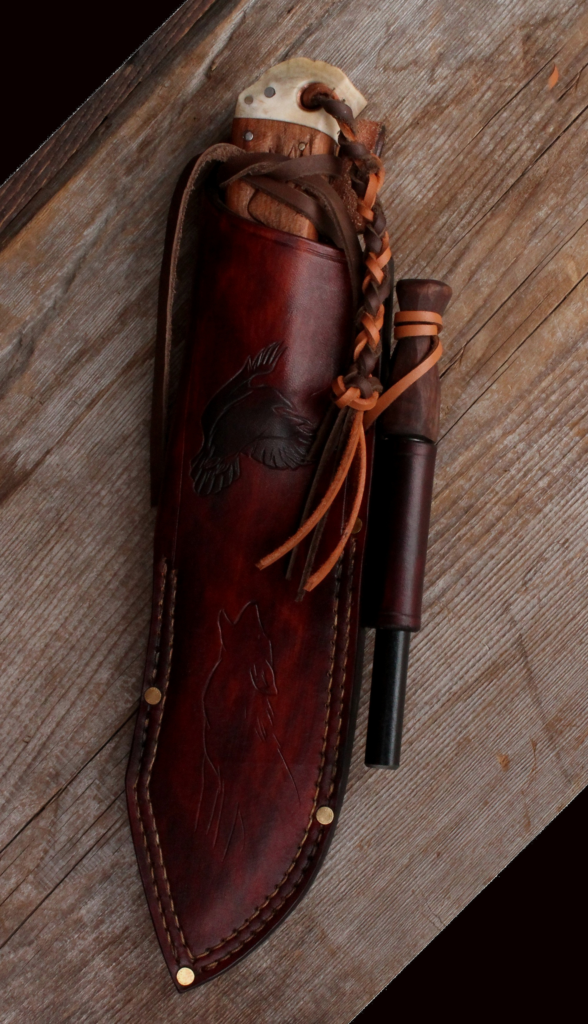 Custom made bushcraft knife sheath. Wolf and Raven knife set.