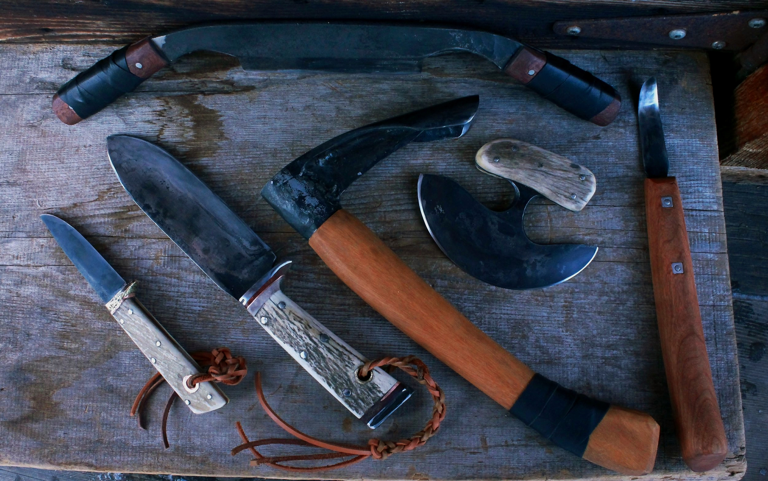Custom hunting knife set. build a camp.