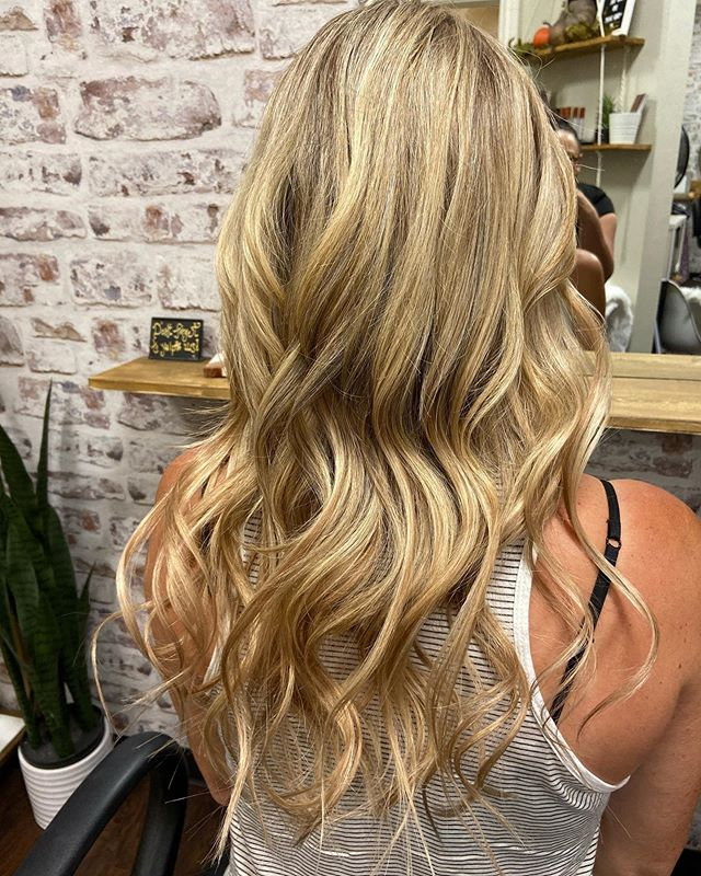Hand tied weft extensions by @hairbytina_rawsalon