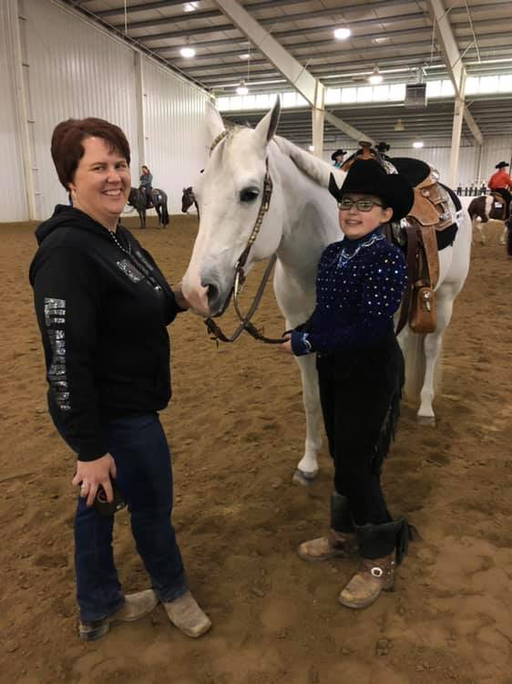 Bailey Terry and Zipped In Platinum won the $500 Open W/T.