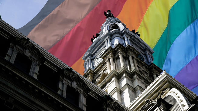 Philadelphia+City+Hall+Rainbow+Flag.jpg