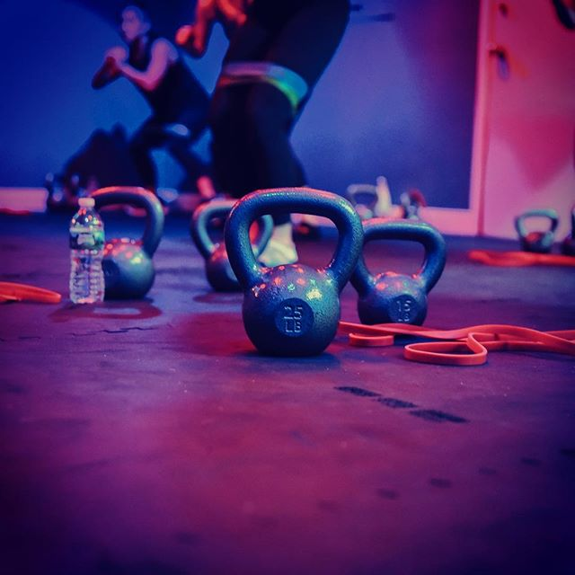 strength | streNG(k)TH | noun  the quality or state of being physically strong . . . STRENGTH | 🏋🏻‍♂️🏋🏻‍♀️| class Our 45 minute signature class tailored to bridge the gap between personal training and small group fitness. Your goal: move the heaviest amount of weight you can while maintaining good form. Your job: to go as hard, heavy and fast paced as you feel comfortable. . . . Have you tried STRENGTH? Check it out: 💪🏽Mon 6:30a w/ @licia12286 💪🏽Tues 6p w/ @goinghamme 💪🏽Wed 6a w/ @marissarross & 7p w/ @licia12286 💪🏽Thur 5:45p w/ @alygalvin 💪🏽Fri 6:30a w/ @marissarross . . . 📸: @lites.camera.ashley
