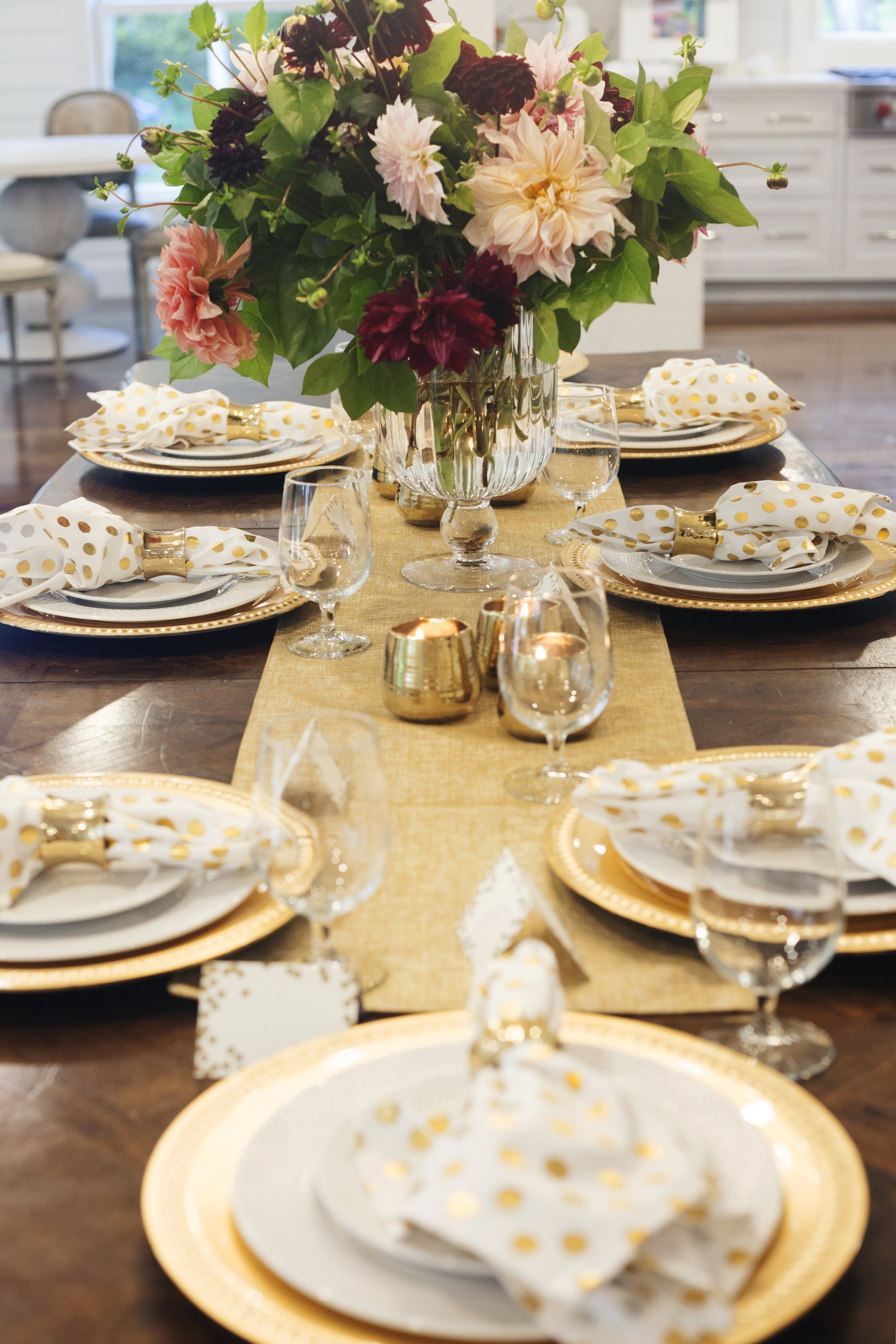 Table setting rental, Golden New Year