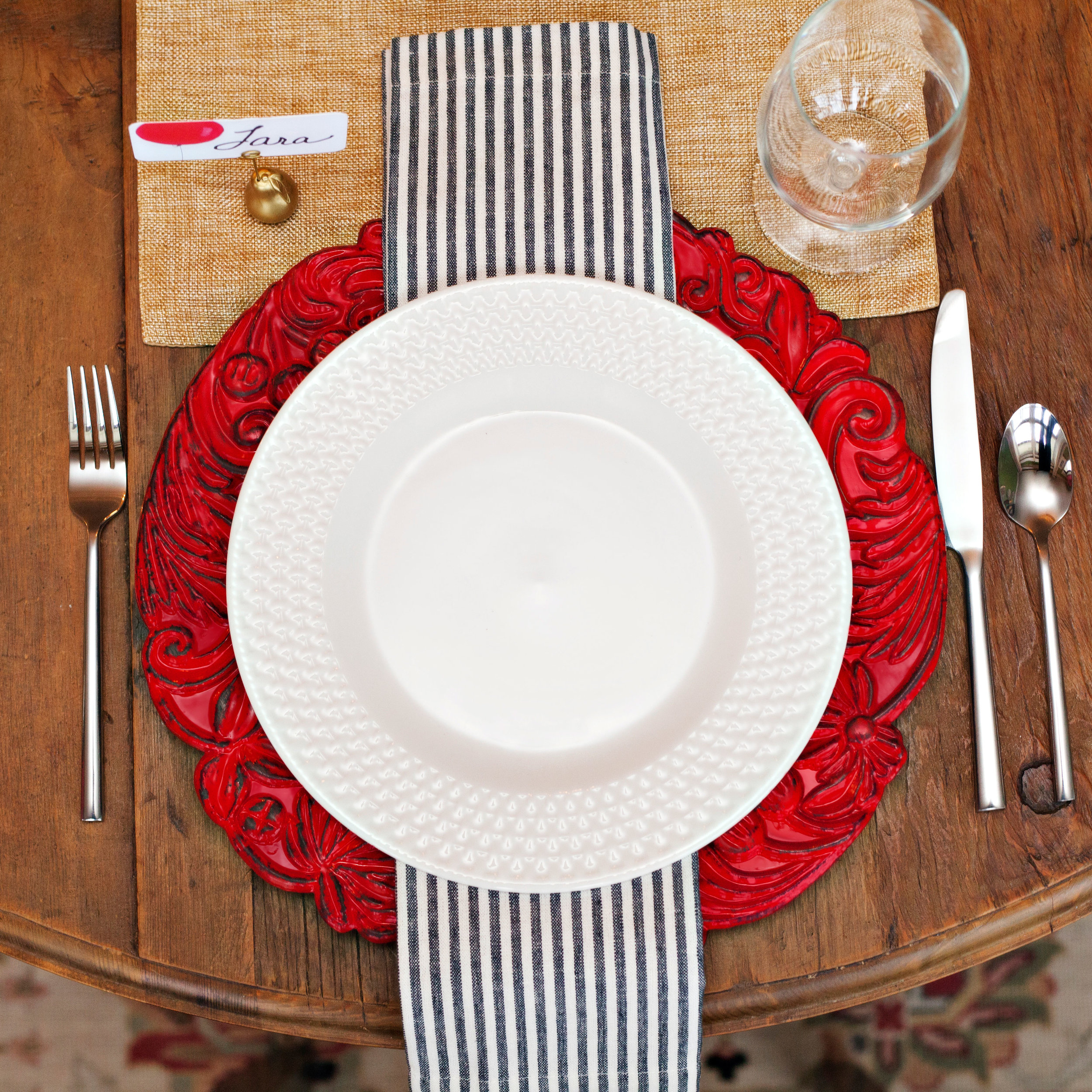 Up Up and Away - Tablescape Includes:Gold Table Runner, Red Intricate Charger, Plate, Napkin, Place Card Holder, and Place Card$14.99 per tablescapeA cheerful Table Setting to gather at home with your friends and family, accentuated by a red balloon Place Card for your guests to find their seat. This tablescape is a perfect theme for any occasion; birthday, anniversary, 'You Are Special' gatherings for adults and children, alike!