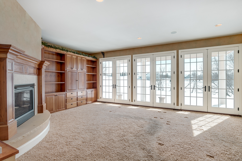 14_21670 Monteray Ave Prior Lake MN (14 of 45).jpg