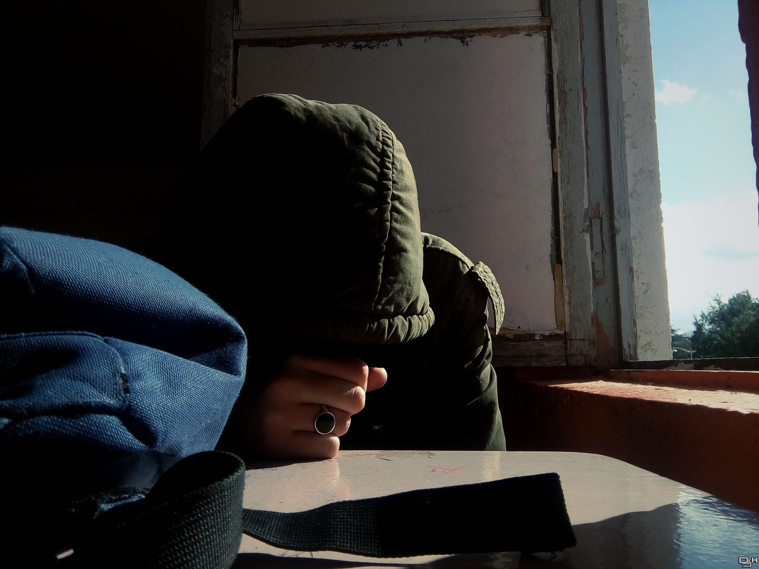 alone-depress-fist-328011.jpg