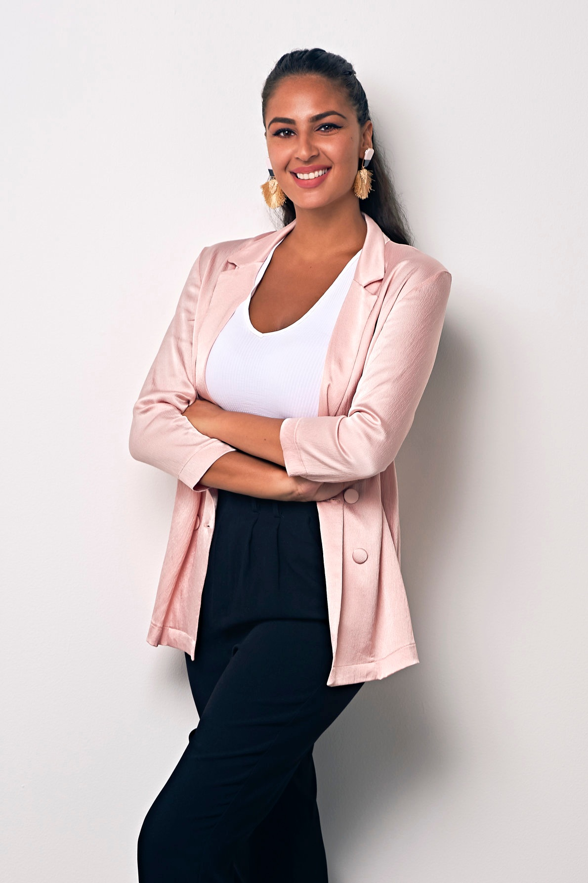 Lina Al Medanat Junior Art Consultant