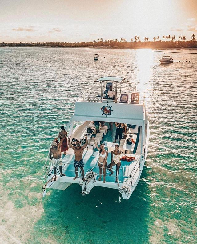 All you need in life is the ocean, a sail boat and some good company 🌴 #TailorMyTour ----------------------------------- 🌎 @clubmedpuntacana⠀ ----------------------------------- 📸 @filipajackson ----------------------------------- 🚩 Tag #ClubMed to be featured as our #picoftheday
