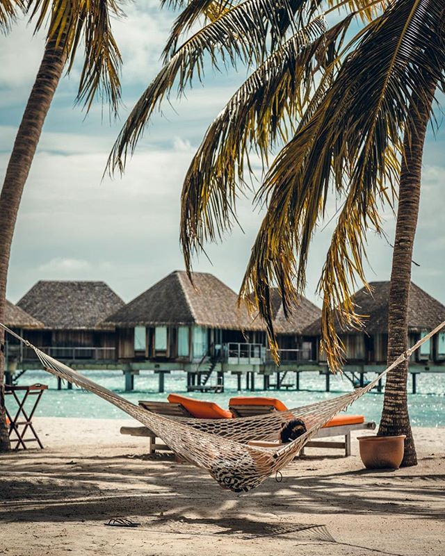 Life is so much easier when you just chill out 🌴 #HeavenOnEarth ----------------------------------- 🌎 @clubmedkani ----------------------------------- 📷 @maria__ll ----------------------------------- 🚩 Tag #ClubMed to be featured as our #picoftheday