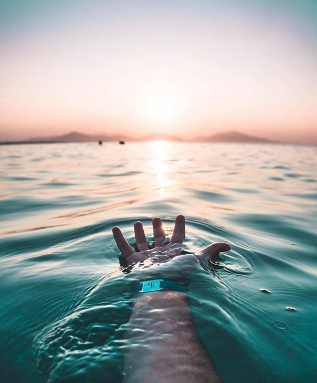 Make the ocean your natural swimming pool 🌅 #UnderWaterAdventures ----------------------------------- 🌎 @clubmedgregolimano ----------------------------------- 🚩 Tag #ClubMed to be featured as our #picoftheday
