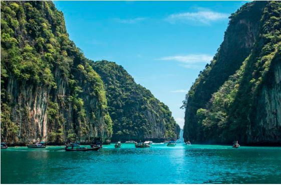 Photo taken at    Club Med Phuket