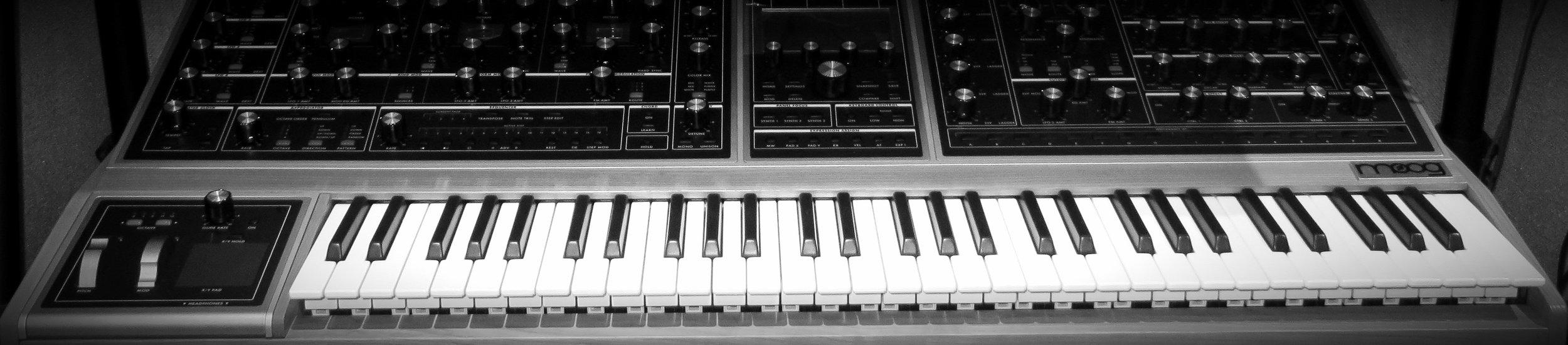 B&W Moog One.jpg