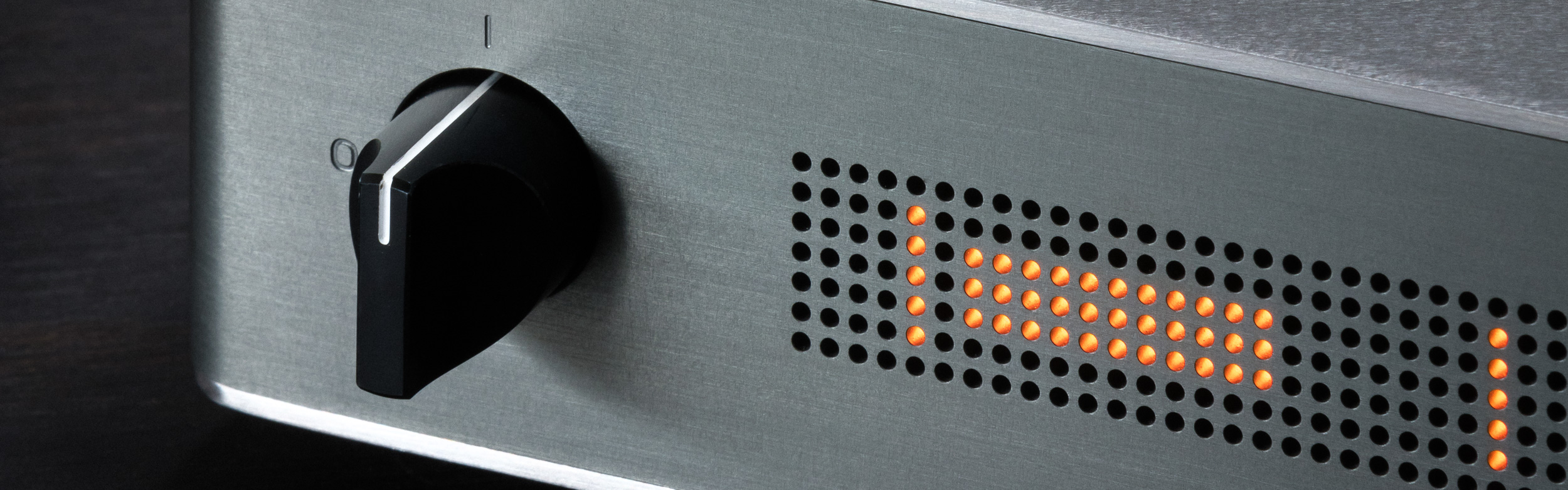 Lucie_web_3430_preamp_front_detail_web_banner16-5_2p5k.jpg