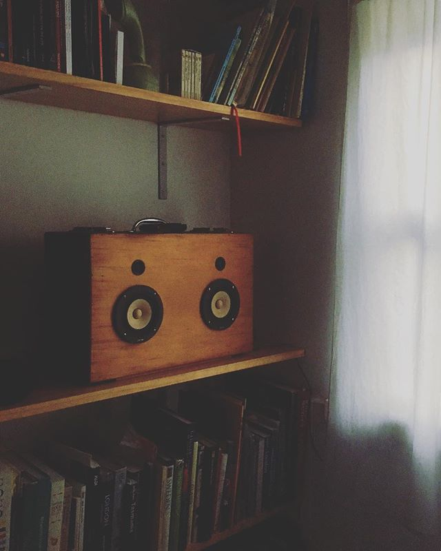 Cute thing I built some years back, still being enjoyed daily. Mark Audio's CHP-70 mated to a Dayton silk dome tweeter, and internal 5 inch sub. Sounds surprisingly pleasant!