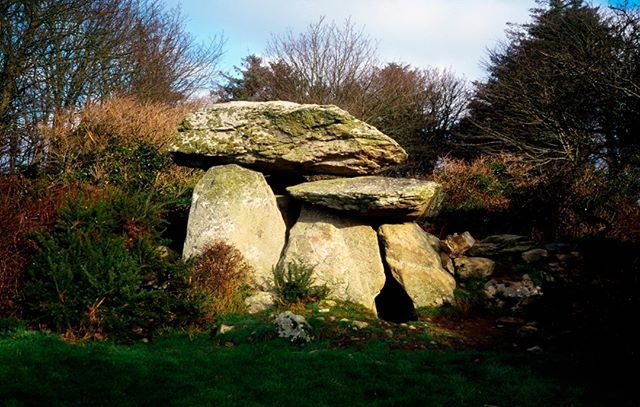 The Knockeen Portal Tomb is a megalith in Knockeen, County Waterford, Ireland. It is the largest dolmen in County Waterford exhibiting a double capstone configuration.  https://www.britishandirishwalks.com/  #Knockeenportal #tomb #countywaterford #waterford #ireland #irishcountryside #theoutdoors #countrysidewalk #walkingholidays #walkingtour #theoutdoors #countryair #peaceandquiet #natureatitsfinest #freedomtotravel #hikingtour #getoutdoorsmore  #countrysidephotography #theemeraldisle #walkingtheworld #walkingaroundtheworld #hikinglifestyle #hiking_daily #irelandtravel #ireland_travel #ireland_insta #irelanddaily #irelandphotography