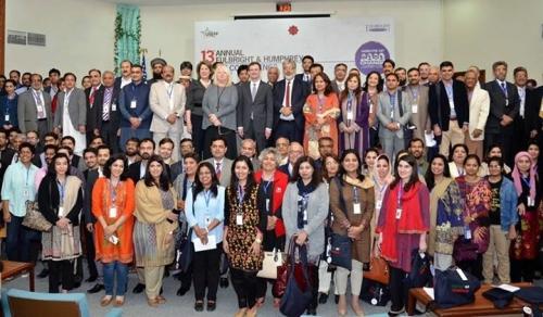 13th-Alumni-Conference-Group-Picture-e1483948737451.jpg