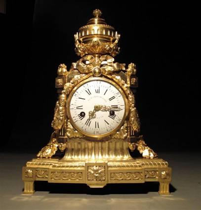 5 Limburg ormolu clock.jpg