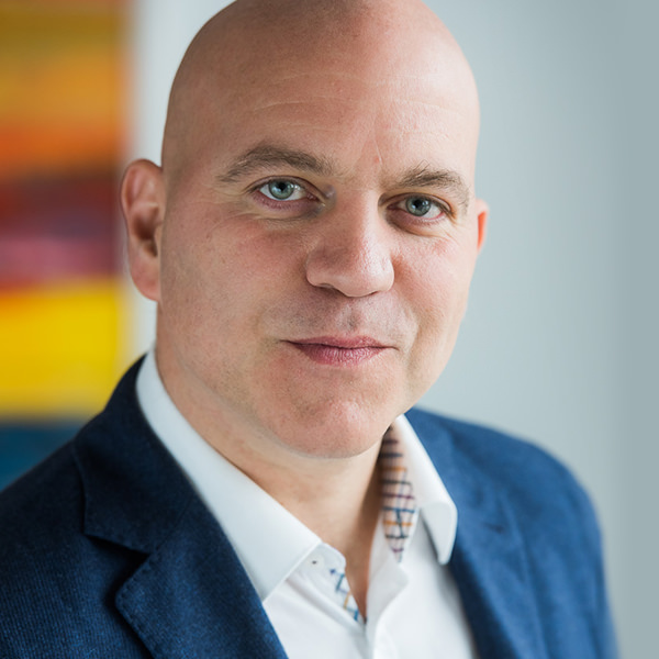 Oliver Zebura IT-Berater, HBM Hecht Bingel Müller & Partner   Oliver Zebra ist ausgebildeter Fachinformatiker und war als IT-Administrator tätig. Heute ist er IT-Betreuer und IT-Berater bei HBM Hecht Bingel Müller & Partner Wirtschaftsprüfer Steuerberater Rechtsanwälte Partnerschaft Wirtschaftsprüfungsgesellschaft.