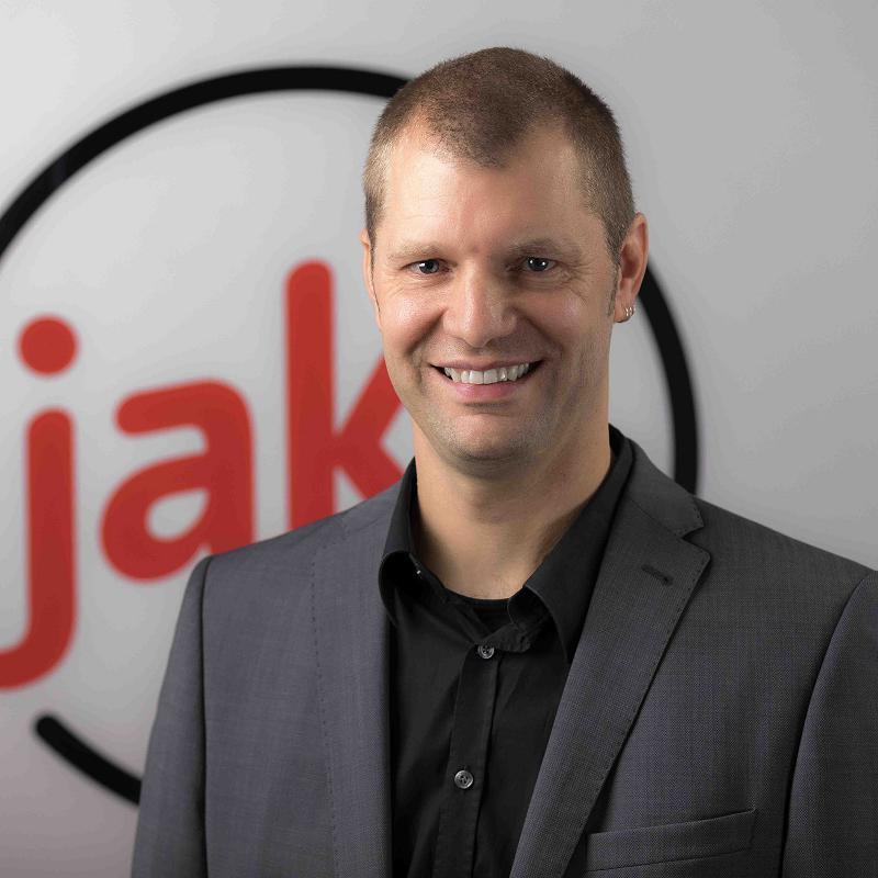Christoph Doerle Technischer Berater, jaka GmbH & Co. KG   Seit 1998 bei jaka digital . Anfangs als Servicetechniker für die Instandhaltung von Drucksystemen, später zusätzlich für die Installation und Konfiguration hardwarenaher Lösungen verantwortlich. Seit 2013 Software Consultant für DMS, Workflow Management Software und aktuell auch Microsoft Office Lösungen.