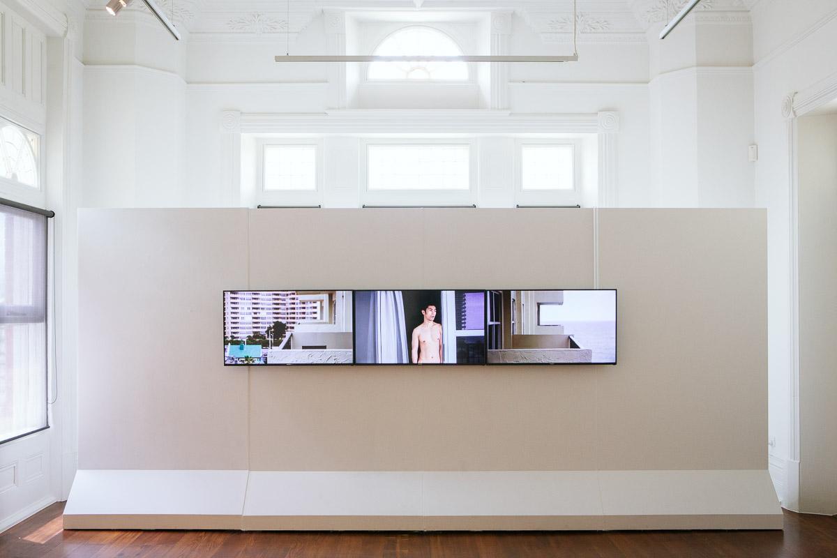 Shen Wei, installation view,  Closing the Distance,  2017, Bundoora Homestead Art Centre. Photo: Nicola Dracoulis.