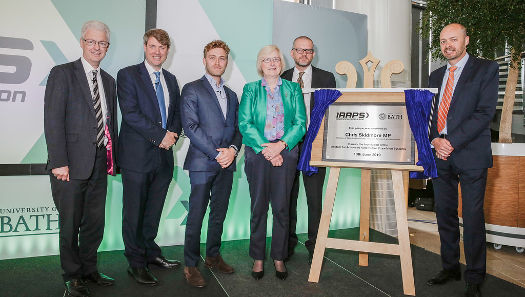 Unveiling the commemorative plaque at IAAPS with Science Minister, Chris Skidmore MP.