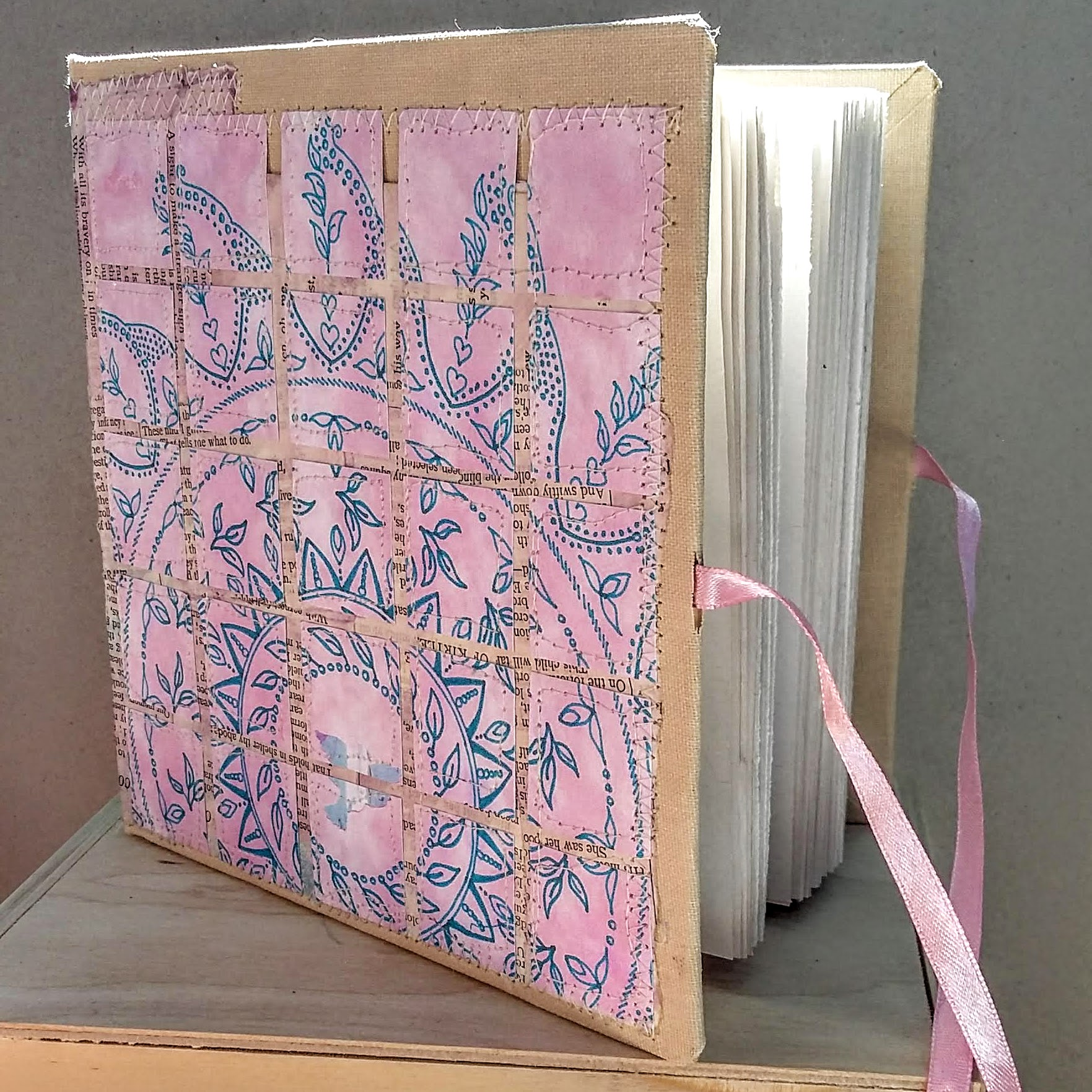 SOLD. Squared mandala book. 15.5 x 15 cm. 140 sides, 70 pages.