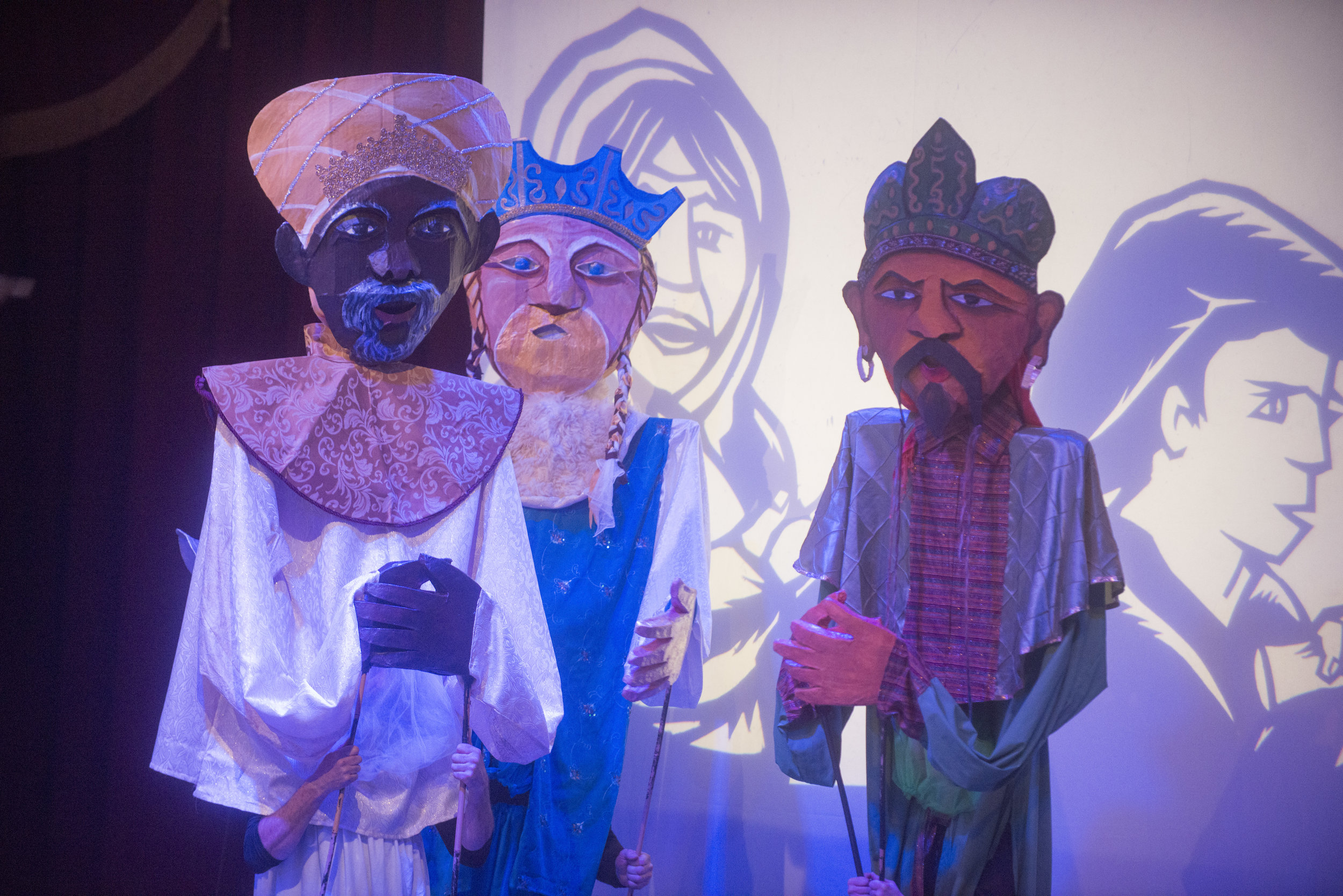 Help us bring these loom puppets back to the stage! - Donate.